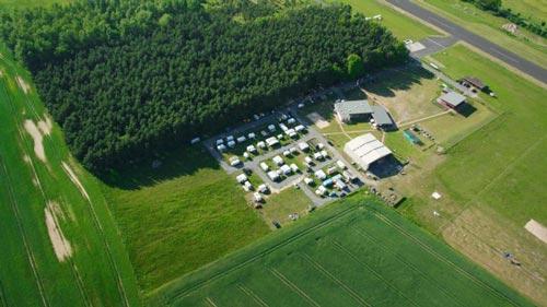 TAKE OFF Falllschirmsport - Foto aus den Anfängen - Gelände aus der Luftansicht