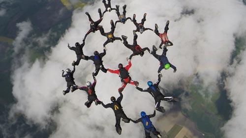takeoff_fallschirmspringen-formationsspringen-2-500x281