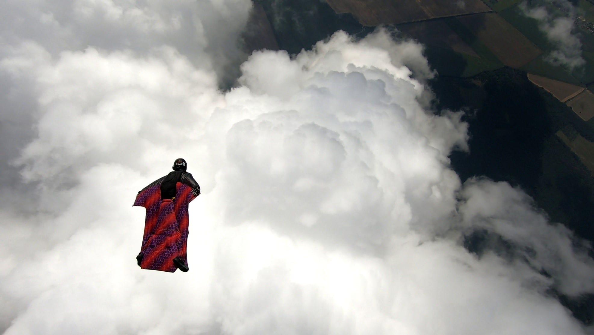 08-Wingsuit