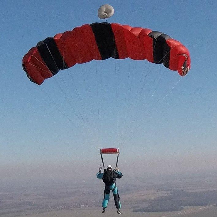 31-Gurtzeug-06-Fallschirm